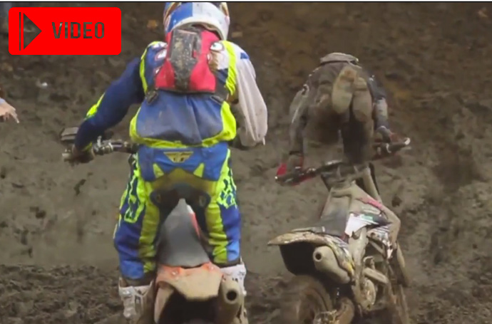 video chutes moto USA