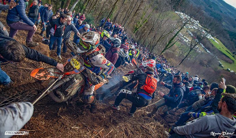 photo grimpette pilotes enduro Peyrat Le Chateau