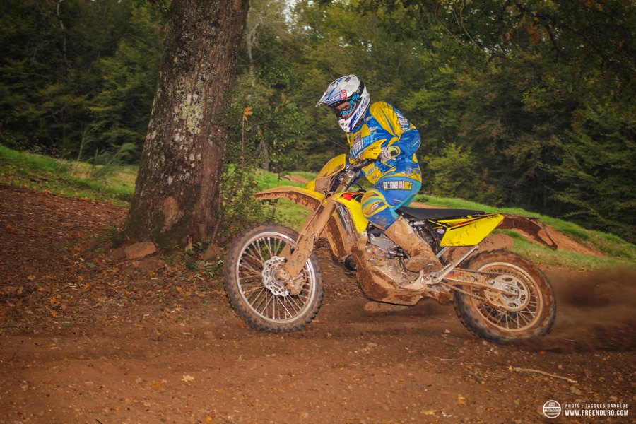 photo moto enduro  Suzuki 450 RMZ 2015
