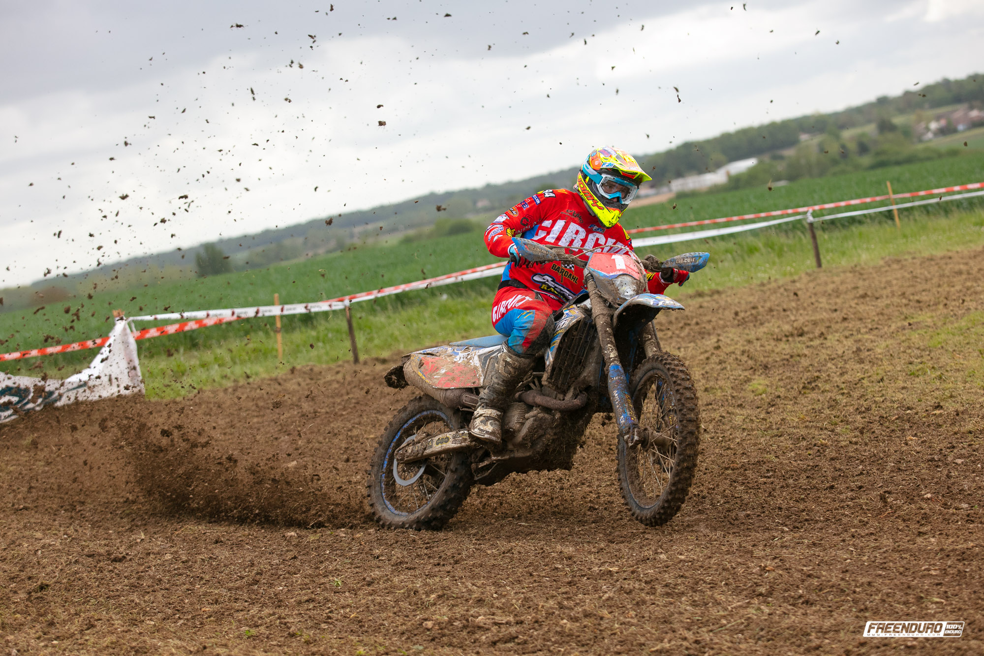 Photo enduro HD: Loïc Larrieu pilote TM Racing enduro France
